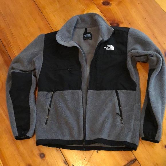 64ab246c4a0e North Face Men s Denali Jacket. Grey   Black. Sm. M 5a71e79c85e605dfc0d63d3a